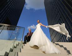 Hochzeitsshooting mit Traumpaar bei strahlender Herbstsonne in Düsseldorf…